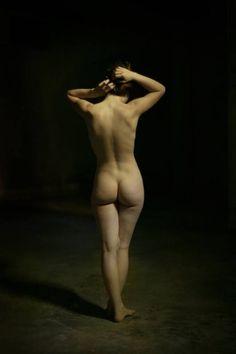 Astrée 4.Artista: Louis Treserras ( . Francés , b , 1958) { realismo figurativo mujer hermosa cabeza femenina cara retrato contemporáneo