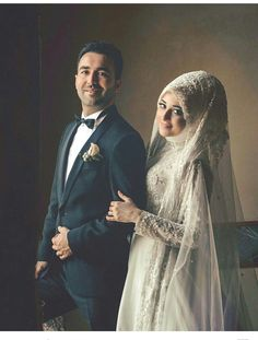 Hijabi Wedding, Muslim Wedding Dresses, Muslim Brides, Muslim Couples, Muslim Girls, Wedding Photography Poses, Wedding Poses, Wedding Couples, Wedding Bride
