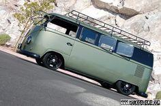 VW Van : great color and wheels