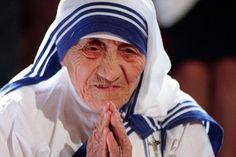 """Una oración y algunos pensamientos de Madre Teresa de Calcuta sobre el matrimonio. Pequeños """"consejos"""" a las parejas que deciden afrontar juntos su futuro. El blog italiano Vita di Coppia (21 de ag…"""