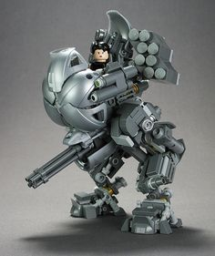 Dayshot: Very cool, tiny custom LEGO mechs from builder Brian Kescenovitz. They might be minifig-scale, but he was still able to put in so much stuff and make them look so detailed. Just look at those legs. Lego Mecha, Lego Bionicle, Lego Design, Lego Technic, Lego Sets, Lego Machines, Lego Spaceship, Lego Craft, Lego War