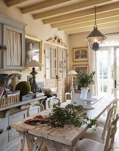 French Country Interiors, French Country Dining Room, Country Interior Design, Rustic French Country, French Country Kitchens, French Interior, Country Farmhouse Decor, French Decor, French Country Decorating