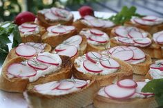 Radish and Creme Fraiche Canapés Party Snacks, Appetizers For Party, Tapas, Avocado Cream, Creme Fraiche, High Tea, Finger Foods, Food Inspiration, A Food