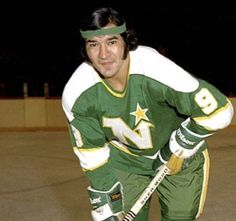Super 70s Sports (@Super70sSports) | Twitter Minnesota North Stars, Vancouver Canucks, Hockey Teams, Nhl, Baseball Cards, Sports, Bandanas, Twitter, Life