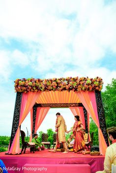 #dreamwedding #whiterunway Indian Wedding Receptions, Outdoor Indian Wedding, Desi Wedding Decor, Wedding Hall Decorations, Diy Wedding Backdrop, Marriage Decoration, Wedding Mandap, Wedding Ideas, Mandap Design