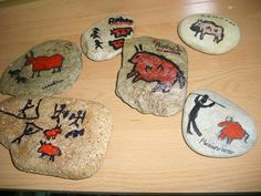 Stone Age Ks2, Art Pariétal, Prehistoric Age, 7 Arts, Art Lessons Elementary, Ice Age, Pebble Painting, Cave Painting, Bronze Age