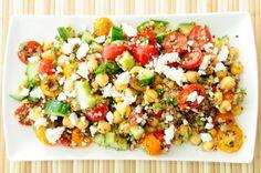 Quinoa: ecco come gustarla in un fresco piatto unico con riso e ceci