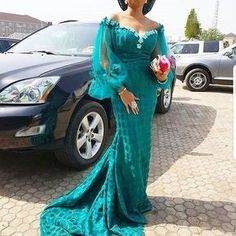 Beste Hochzeitsgäste in Aso-Ebi 2019 - pinnerial Aso Ebi Lace Styles, African Lace Styles, Latest Aso Ebi Styles, African Lace Dresses, Kente Styles, African Dresses For Women, African Attire, African Fashion Dresses, African Wear