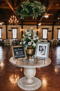 Indoor wedding decoration goals > > > The perfect wedding reception decor with a gorgeous table ren Wedding Entrance Table, Wedding Welcome Table, Gift Table Wedding, Entrance Decor, Rustic Wedding, Trendy Wedding, Wedding Memorial Table, Wedding Photo Table, Natural Wedding Decor