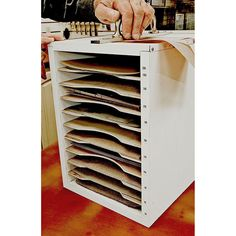 Sandpaper Organizer Tote Woodworking Plan, Shop Project Plan | WOOD Store