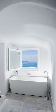 Canaves Oia http://www.mediteranique.com/hotels-greece/santorini/canaves-oia-hotel-suites/