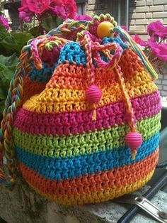 Crochet Purses Rainbow Striped Draw String Crochet Bag - If you are looking for a Crochet Tote Bag you will love our collection of fabulous free patterns. You will be spoilt for choice! Crochet Handbags, Crochet Purses, Crochet Bags, Crochet Drawstring Bag, Crochet Backpack, Drawstring Bags, Crochet Clothes, Crochet Shell Stitch, Crochet Stitches