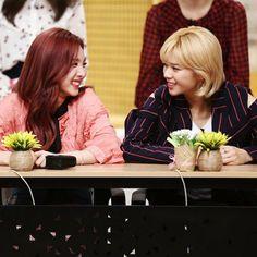 Nayeon and Jeongyeon | Twice | 2yeon