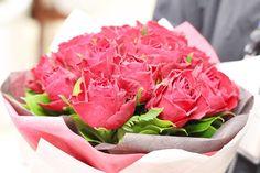 赤バラのみのブーケ風花束 クリスマスにプロポーズ