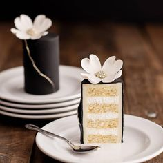 Individual cakes your your guests.the black, white, gold and that flower and bling on top.so elegant What will you do for your special day? Fancy Desserts, Fancy Cakes, Cute Cakes, Mini Cakes, Mini Wedding Cakes, Yummy Cakes, Cake Bars, Beautiful Cakes, Amazing Cakes