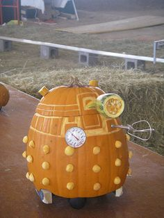 Dalek Pumpkin.  This is so cute. For a Dalek, that is.