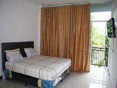 Hotel Murah di Makassar dan letaknya tidak jauh dari Bandara Internasional Sultan Hasanuddin, Hotel Kanaka Giana menawarkan Harga 185.000 (IDR) untuk tiap Room nya .    Sejumlah fasilitas kelas atas seperti tempat parkir mobil, toko, coffee shop, layanan kamar, ruang merokok dapat dinikmati di hotel ini.     anda juga bisa mendapatkan cash back terbesar jika membooking di website kami (www.yuktravel.com) & nikmati berbagai pilihan promo hotel lainnya di seluruh indonesia :-)