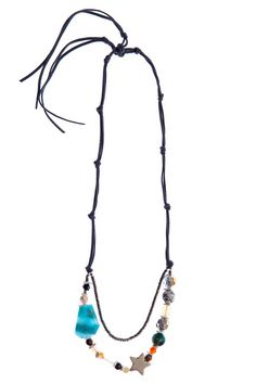 Features an eclectic mix of agate, pyrite, and opalite stones sits on an adjustable leather strap. Wear Playalinda for an unexpected touch of fun!