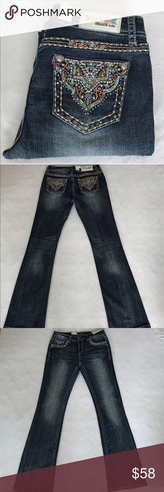 """Grace in LA Easy fit bootcut jeans Brand new with tag. Rise 10"""" inseam 34"""" waist 33"""" around laying flat. 98% cotton 2% elastane. Price is firm. No trades 🌷 Grace in LA Jeans Boot Cut"""