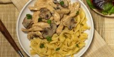Simple And Creamy Chicken Stroganoff Simply Recipes, Greek Recipes, Desert Recipes, Simply Food, Healthy Eating Tips, Healthy Nutrition, Creamy Crockpot Chicken, Cooking Tips, Cooking Recipes
