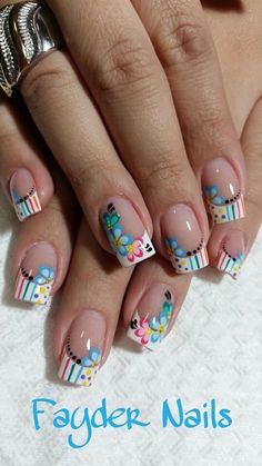 french nails sparkle Tips French Nails, French Acrylic Nails, Spring Nail Art, Spring Nails, Summer Nails, Fingernail Designs, New Nail Designs, Floral Designs, Cute Nails