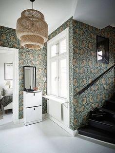 [Those William Morris wallpapers have aged remarkably well. They are true classics. William Morris Tapet, William Morris Wallpaper, Morris Wallpapers, William William, Tudor House, Maison Tudor, Interior And Exterior, Interior Design, Decor Inspiration