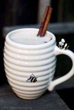 Clean Eating Chai Latte Recipe ~ http://www.thegraciouspantry.com
