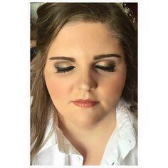 nice vancouver wedding b l u s h i n g • b r i d e makeup by @jessicascreeton #parkavenueladner  #vancouverwedding #vancouverweddingmakeup #vancouverwedding