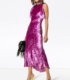 These are the cool dress styles that are most-wanted among the fashion set. Shop them here before they sell out. Velvet Suit, Purple Velvet, Girl Fashion, Fashion Dresses, Velvet Midi Dress, Cool Style, My Style, Formal Looks, Dress For Success