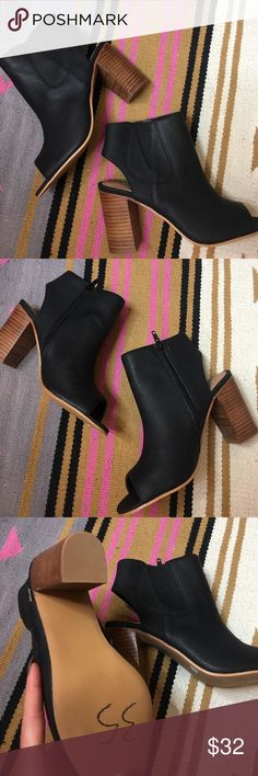 Steve Madden Booties NWOT Heel booties with peep toe. Black faux leather. Never worn. Steve Madden Shoes