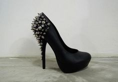 love them just wouldnt have enough to wear them with to buy them...i can dream :)