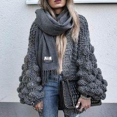 ⚪️ Fashion • Lifestyle • Travel   snapchat: aylin_koenig  ✉️ info@aylinkoenig.de ⬜️ Hamburg --> Berlin