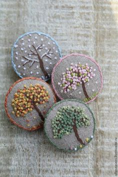 Wonderful Ribbon Embroidery Flowers by Hand Ideas. Enchanting Ribbon Embroidery Flowers by Hand Ideas. French Knot Embroidery, Learn Embroidery, Hand Embroidery Stitches, Silk Ribbon Embroidery, Embroidery Jewelry, Crewel Embroidery, Embroidery Techniques, Cross Stitch Embroidery, Embroidery Supplies