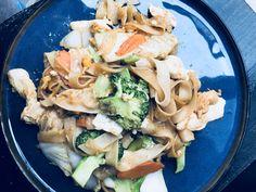 Pad Siu #thaifood Thai Dishes, Thai Recipes, Pasta Salad, Food, Recipies, Crab Pasta Salad, Essen, Thai Food Recipes, Meals