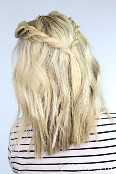Cute Braids for Short Hair, Hair Hairtyles Braided Style, Blue Hair Color, Hair Simple Short Color. If you don't know how to handle with your short hair, we offer you these amazingly cute braided short hairstyles. Twist Hairstyles, Pretty Hairstyles, Simple Hairstyles, Hairstyles 2016, Hairstyle Ideas, Blonde Hairstyles, Loose Braid Hairstyles, 5 Minute Hairstyles, Braid Hairstyles