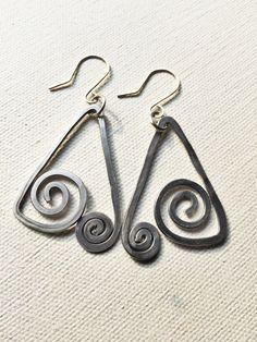 Handmade Aluminum Wire Earrings by Dreswireddesigns on Etsy