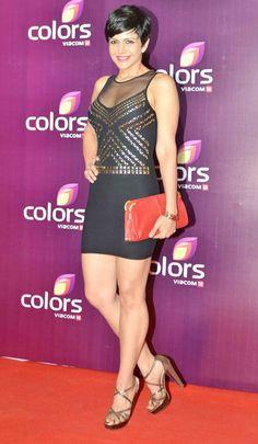 Mandira Bedi on red carpet at Colors Party function. Bollywood Actress Hot Photos, Indian Bollywood Actress, Bollywood Girls, Beautiful Bollywood Actress, Most Beautiful Indian Actress, Bollywood Celebrities, Bollywood Fashion, Hot Actresses, Indian Actresses