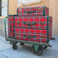 Thud.  Oh my goodness!!!  I am in love with this vintage tartan luggage.