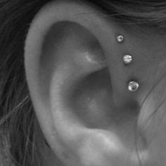 Learn the 8 unforgivable sins you must absolutely avoid if you ever plan to get forward helix piercings.