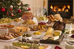 A buffet is a system of serving meals in which food is placed in a public area where the diners serve themselves. A buffet can be difficu. Christmas Potluck, Christmas Tree, Christmas Cooking, Christmas Buffet Menu, Christmas Dinners, Swedish Christmas, Modern Christmas, Rustic Christmas, Simple Christmas