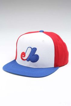 I'm not from Montreal- but I always loved the Expos logo. Expos Baseball, Baseball Caps, Montreal Quebec, Mlb Montreal, Dodgers Gear, Gary Carter, Sports Uniforms, Jack Threads, Beige