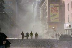 Feuerwehrmänner nach dem Einsatz bei 9/11.