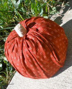 Sarahndipities ~ fortunate handmade finds: Things to Make: 5 Minute No Sew Fabric Pumpkins!