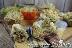 Muffins salati carciofi wurstel e scamorza - Bevande aperitivo - Recipe Boards, Zia, Buffet, Muffins, Broccoli, Breakfast, Italian Recipes, Food, Italy