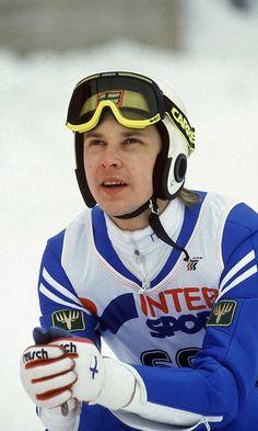 Matti Nykänen Salpausselän kisoissa Lahdessa vuonna 1988. Copyright: Lehtikuva. Kuva: Jaakko Avikainen. Xc Ski, Ski Gear, Nordic Skiing, Ski Jumping, Good Old Times, Winter Scenery, Sport Icon, Cross Country Skiing, My Land