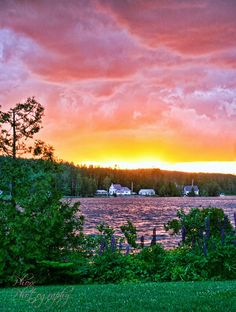 A beautiful sunset is captured at Joe's Pond in Danville, Vermont. Photo credit belongs to Kerryanne-Phoxx Photography.