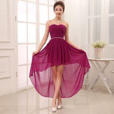 Aquí te muestro varios modelos originales y elegantes de vestidos tanto cortos como largos con cola perfectos para fiestas o eventos especiales.