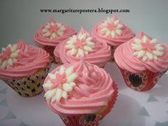 margarita repostera: Cupcakes de almendra con frosting de fresa y queso