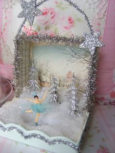 Sweet Tiny Skater Winter Aqua Shadow Box