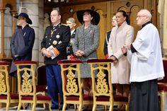 Los príncipes Alberto y Charlene y las princesas Estefanía y Carolina presidieron la tradicional misa en la catedral 19.11.13 La ausencia de Carlota y el debut de Tatiana marcan la Fiesta Nacional de Mónaco